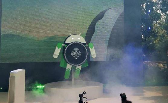 Google sfida iOScon il nuovo sistema operativo OREO