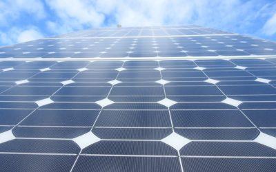 Zon op Zee: un parco solare galleggiante in mare